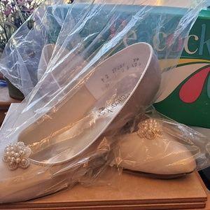 Peacock Brand White Satin Wedding Shoes W/Beads